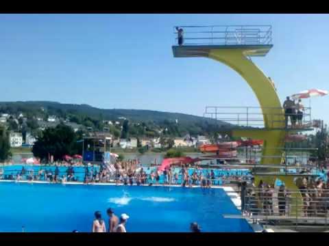 Freibad Sprung aus 10 Meter mit Auerbach