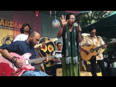 Fourtwnty - Argumentasi Dimensi ( Live Bandung )