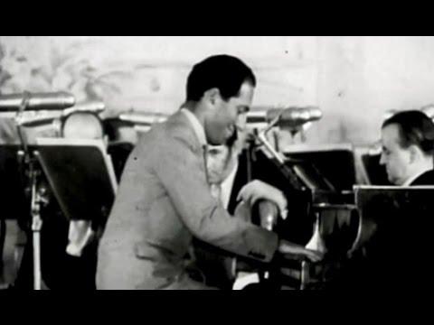 Gershwin plays I Got Rhythm (1931, 3 camera views)