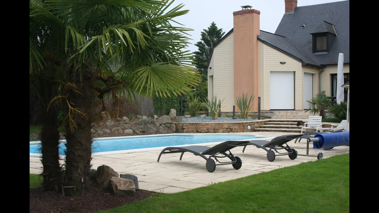 Am nagement contemporain pour une plage de piscine youtube for Decoration jardin villa
