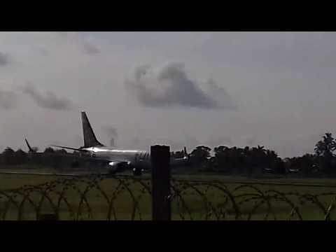 B737-700 takeoff from Nausori airport.