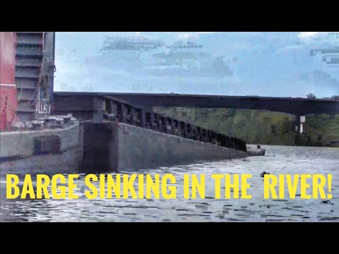 Barge Sinking In The Tombigbee River!