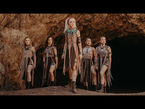 Lindsey Stirling – Til The Light Goes Out (Official Video)