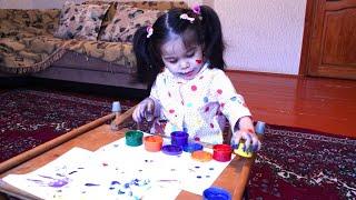 Рисуем пальчиковыми красками!We draw with finger paints! Funny kids