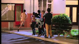 Ulice: Matějova prohraná sázka (nahý Matěj)