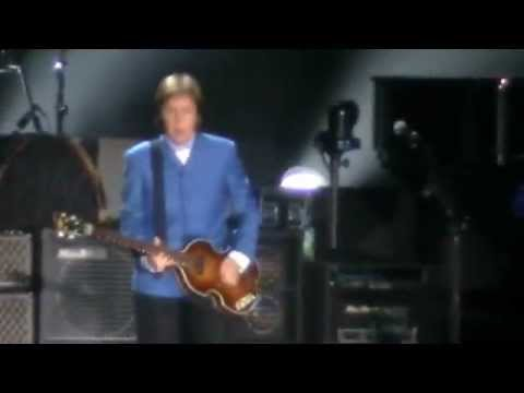 PAUL MCCARTNEY- Hello Goodbye, live in Uruguay 2012