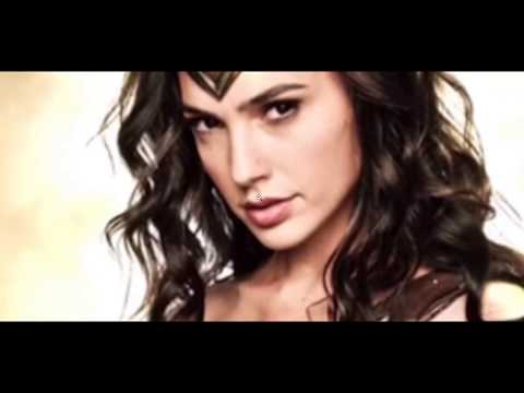 Hot Toys likeness of Batman (Ben Affleck) and Wonder Woman (Gal Gadot)