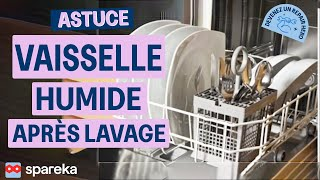 Vaisselle Humide Après Lavage Lave-Vaisselle