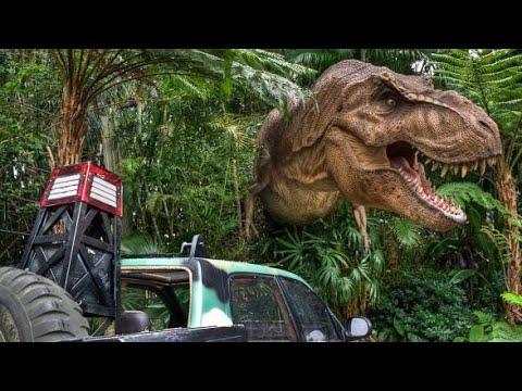 World Famous Studio Tour Universal Studios Hollywood - Jurassic Park movie props #InfiniteWanderlust