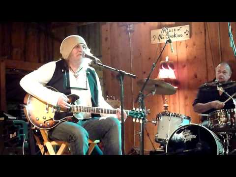 Ray Wylie Hubbard - Up Against The Wall, Redneck Mother (live in Luckenbach)