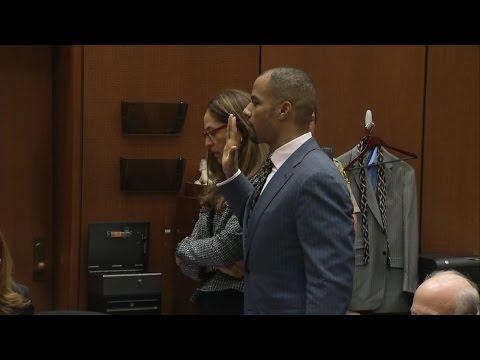 Ex-NFL Star Darren Sharper Takes Plea Deal