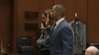 Ex-NFL Star Darren Sharper Takes Plea Deal