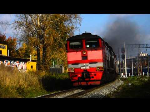 Тепловоз 2ТЭ10М-2185 с поездом № 6626/6636 Киров-Луза
