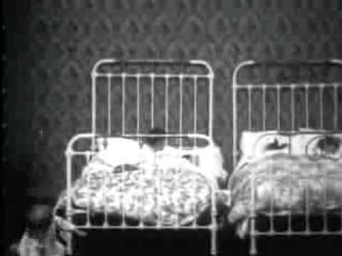 Guerra Cuscini.Battaglia Coi Cuscini The Night Before Christmas 1905 Youtube