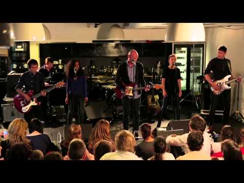 Gaetan Roussel - Help Myself (Live)