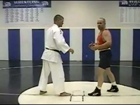 Mark Schultz - Learn Wrestling Takedowns: THE FOOT SWEEP!