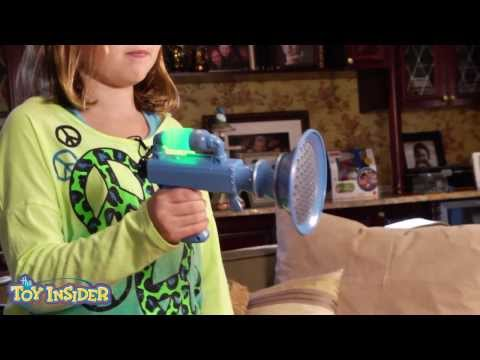 Despicable Me Talking Minions & Fart Gun - Toy Insider Kids Review