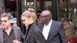 Baixar EXCLUSIVE : Gigi Hadid coming out of the Marco Polo restaurant in Paris
