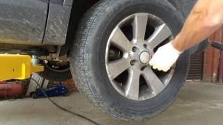 Замена передних шаровых опор и стоек стабилизатора на фольксваген тигуан 2009 год  Volkswagen Tiguan