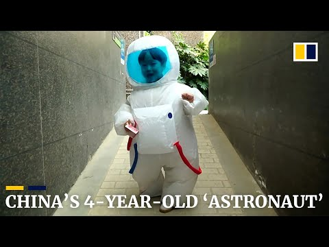 Four-year-old child in space suit becomes internet star in China