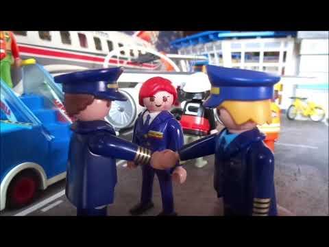 PLAYMOBIL INTERNATIONAL AIRPORT 2020