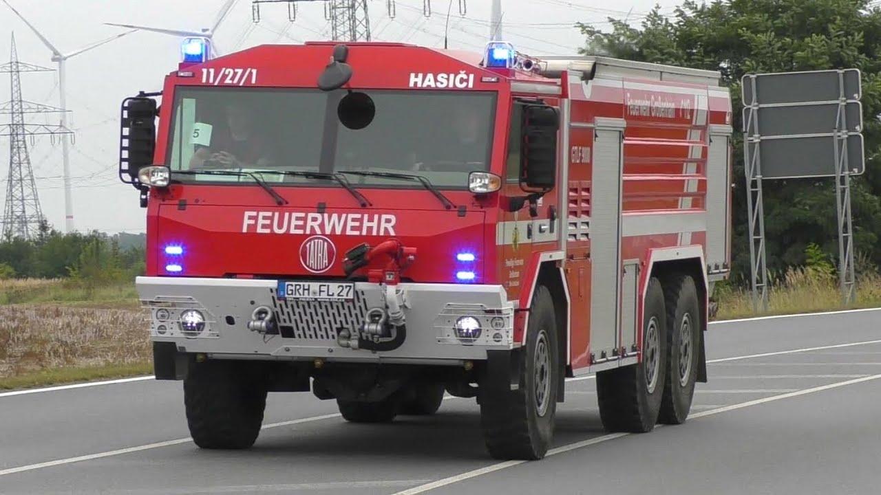 Download (PKW bremst nicht vor TLF mit Bullhorn/Wail) GTLF 9000 Freiwillige Feuerwehr Großenhain