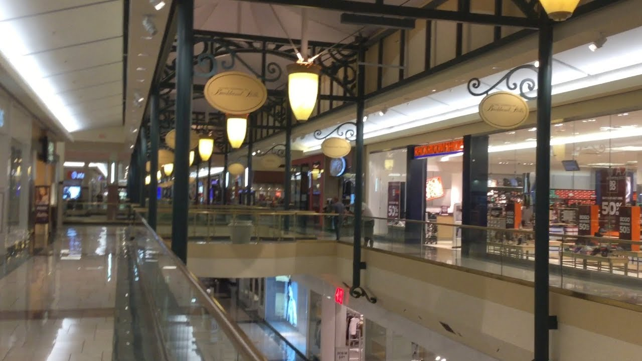 Malls In Ct >> MALL TOUR 2017 : Buckland Hills Mall (Manchester, CT) - YouTube