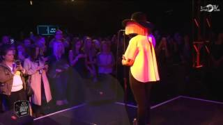 Sia - Alive (Live in the Red Bull Sound Space)