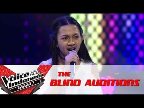 Elen 'Sepasang Mata Bola'   The Blind Auditions   The Voice Kids Indonesia Season 2 GTV 2017