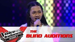 "Elen ""Sepasang Mata Bola"" 
