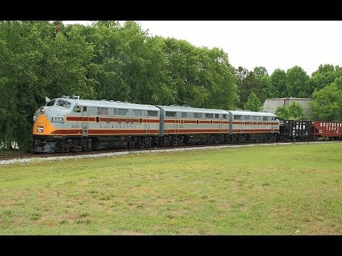 Streamliners at Spencer  The Trains