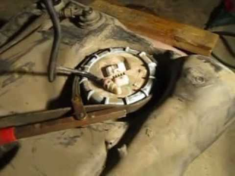 Ford Focus 2001 Fuel Pump Replacement Part 1