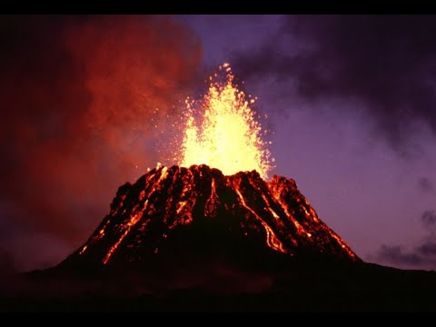 قنبلة حمم بركانية تسقط على سفينة سياحية في هاواي  - نشر قبل 1 ساعة