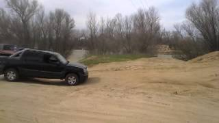 first time chevy avalanche z71 offroad fun