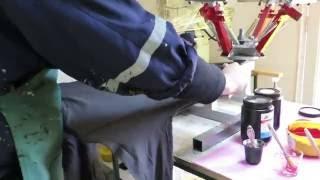31 minutos - Serigrafía de poleras en la factoría Hueders
