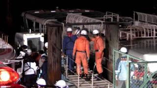 東京消防庁による水難救助活動(3/4)要救助者発見