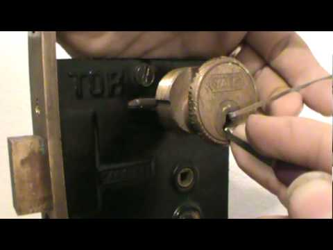 32 OLD Yale Mortise Cylinder With Good Keyway