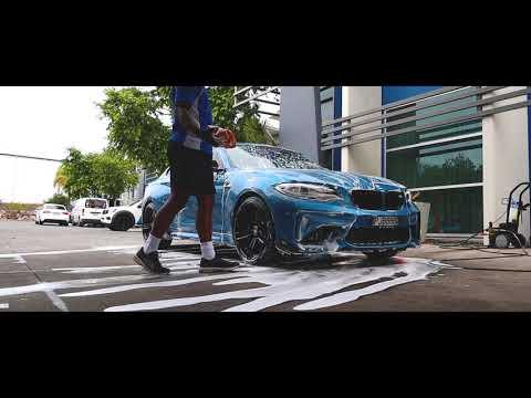 Detailing a BMW M2