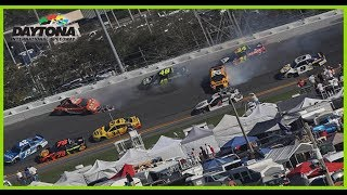 Stenhouse Makes Ridiculous Save, Several Cars Collected Up In Big Wreck