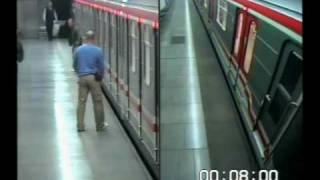 MEDIAFAX - Mladík prchající před policisty zastavil na několik minut pražské metro