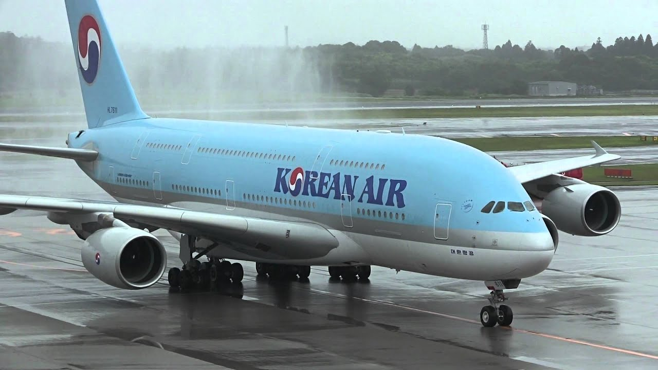 Korean air airbus a380 800 first flight narita international korean air airbus a380 800 first flight narita international airport part1 youtube publicscrutiny Images
