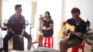Hai Thế Giới acoustic cover - Cẩm Tú ft. Sunshine Band