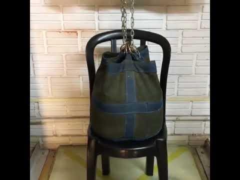Cadeira Plástica Teste de Resistência