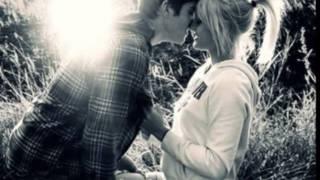 Nur du machst mich so glücklich. :)