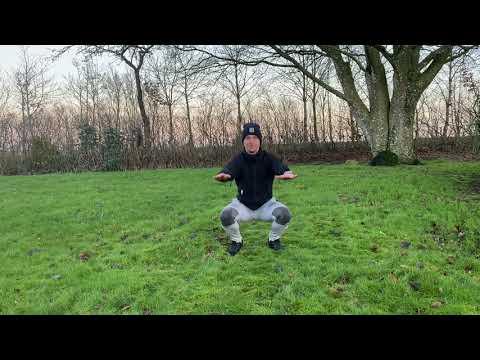 Træning  med 300 squats og burpees
