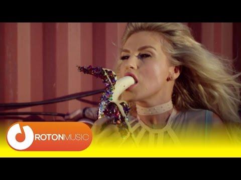 Corina + Mira + Skizzo Skillz - Fete din Balcani (Teaser)