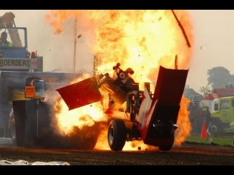 Crazy Canuck RIPS ENGINE OUT off pro stock pulling tractor 2014