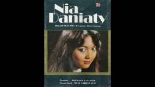 Nia Daniaty - Malam Pertama