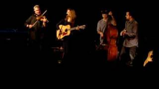Claire Lynch Band - Leavin