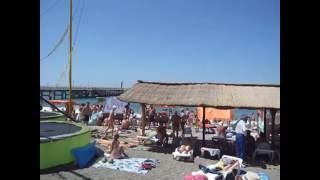 Центральный пляж в Лоо видео(Центральная часть пляжа в Лоо в июле месяце. Развлечения для детей разного возраста. Если вам понравился..., 2016-06-26T15:43:38.000Z)
